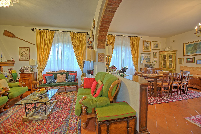 Villa Poggio Al Pipi :
