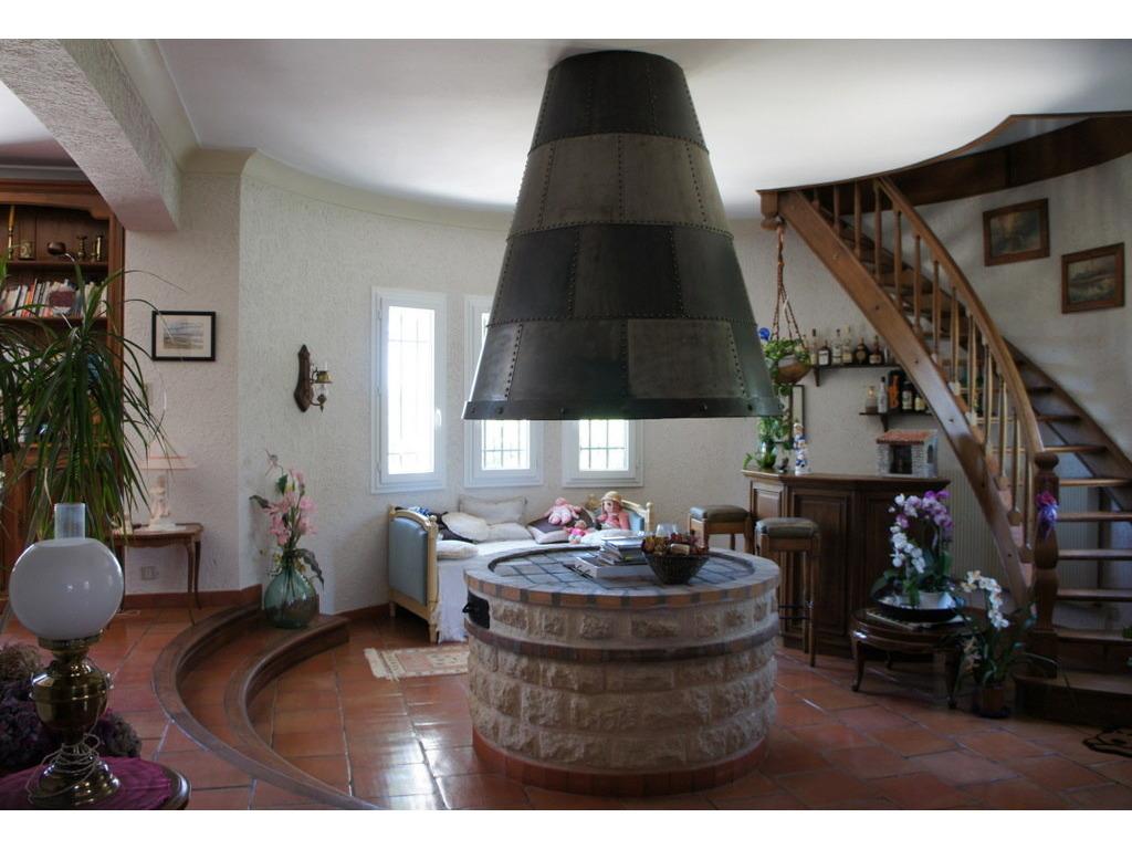 Huis LA BASTIDE-DES-JOURDANS