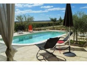 Huis GARRIGUES SAINTE EULALIE Provence Romaine